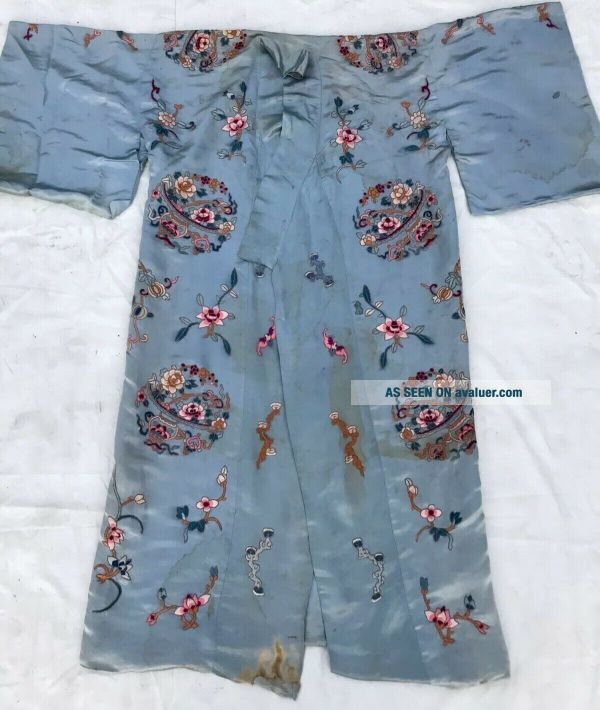 Antique Chinese Qing Dynasty Silk Embroidered textile Robe   Jacket